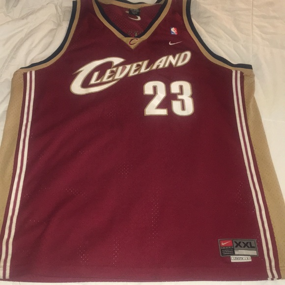 reputable site 5b14c 36a8f LeBron James rookie jersey